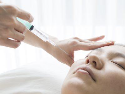 頬へのヒアルロン酸の注射