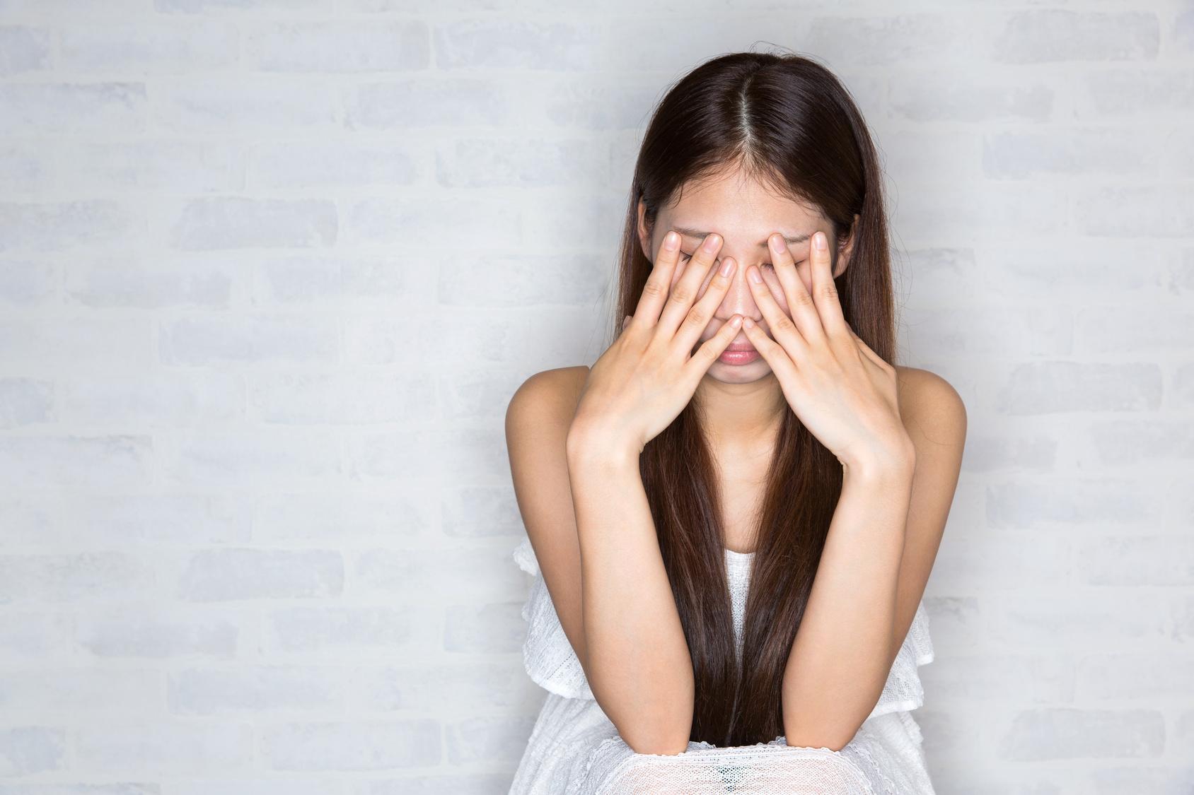 ストレスを貯めている女性