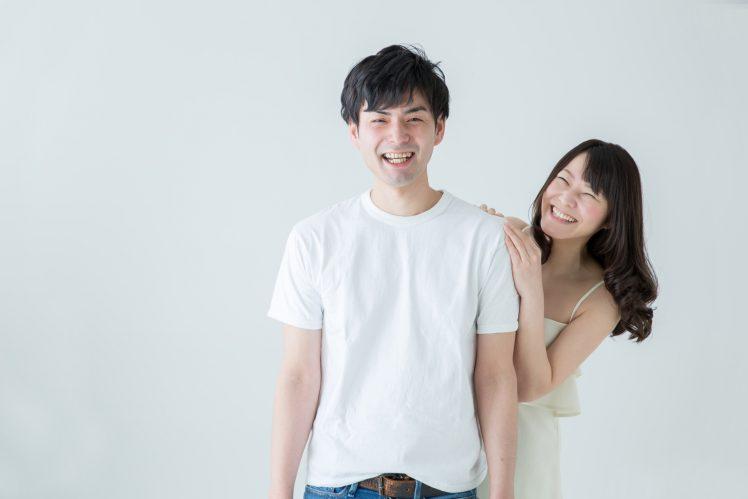 元カレのセフレになる女性 笑顔のカップル