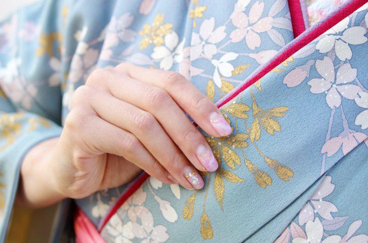 飛田新地の料亭で働く着物を着た女性
