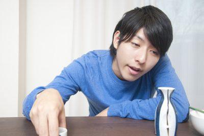 日本酒を飲む元風俗中毒