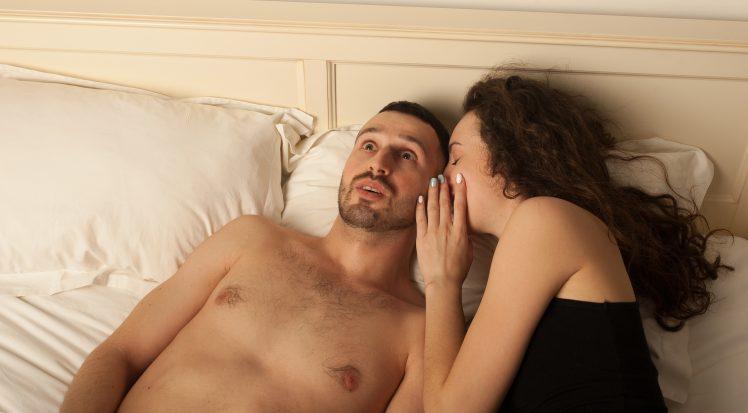 男を勃起させるエッチなセリフを言う女性