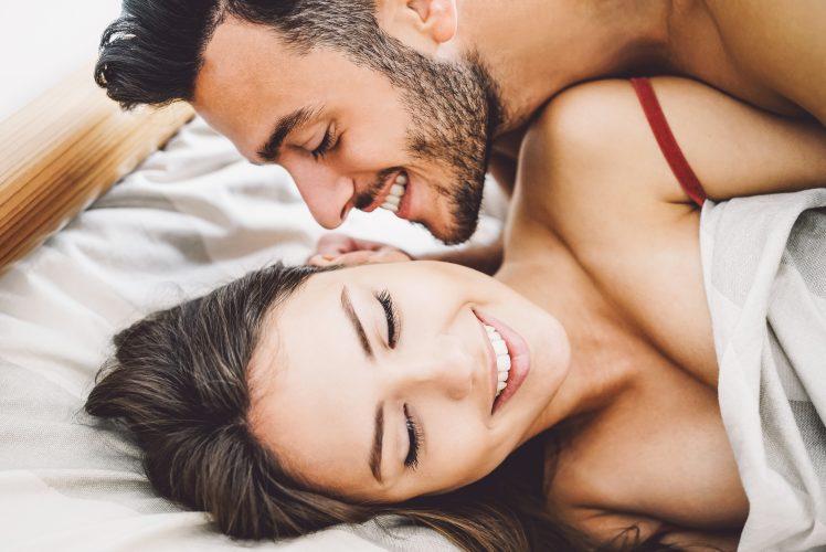 セックス中に彼女を愛おしく感じる男